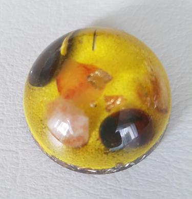 Ondorama orgonite demi sphere jaune 4cm vitalite