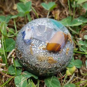 Ondorama orgonite prosperite demi-sphere 4cm argentee