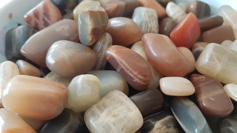 pierres de lune multicolore ondorama bien etre