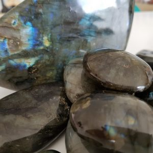 Labradorites pierres roulées et galets Ondorama bien etre