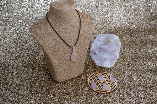 pendentif ou bracelet en quartz rose
