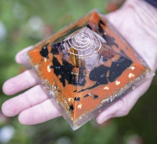 orgonite pyramide ondes electromagntiques 9.5cm ondorama bien etre