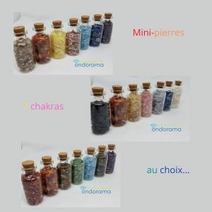 mini pierres 7 chakras en flacon de verre